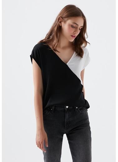 Mavi V Yaka Blok Renkli Bluz Siyah
